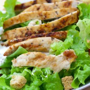 ızgara tavuk salata