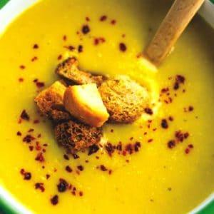 zerdeçallı süzme mercimek çorbası